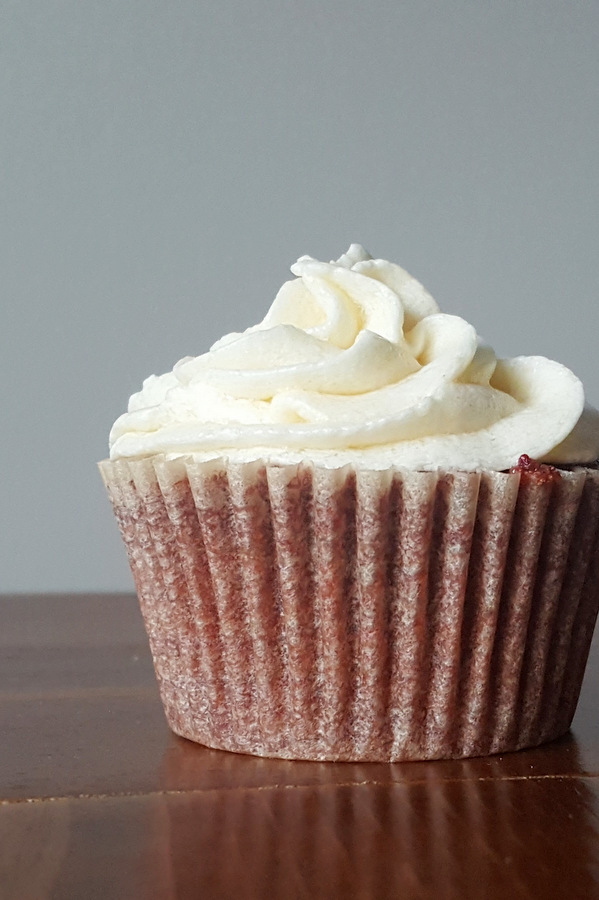 Red Velvet Cupcake Without Food Coloring by Ling Abson